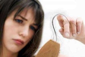 Perte cheveux femme! Que faire?